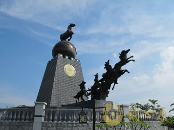 广东省清远市《马踏飞燕》雕塑