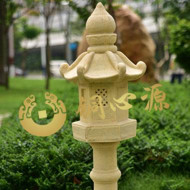 小型灯塔砂岩雕塑