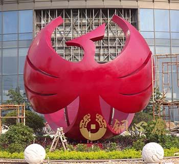广东中山华艺灯饰公司《全球凤凰》雕塑工程