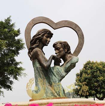 广东梅州客天下文化产业园《求婚》雕塑工程