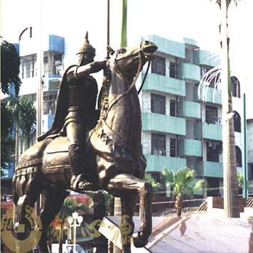 中山东凤广场《骑马》人物铜雕工程