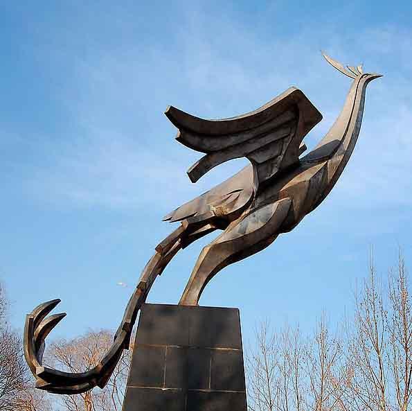 铜心源—凤凰雕塑