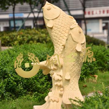 鲤鱼喷泉砂岩雕塑