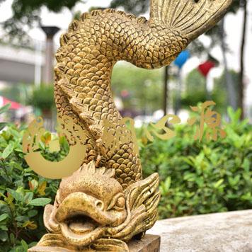 龙喷漆砂岩雕塑