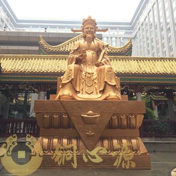 长沙万家丽国际广场财神铜像