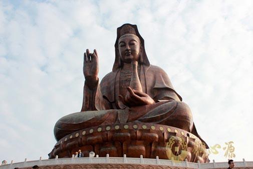 世界第一观音座像:广东省南海西樵山61.9米观音像